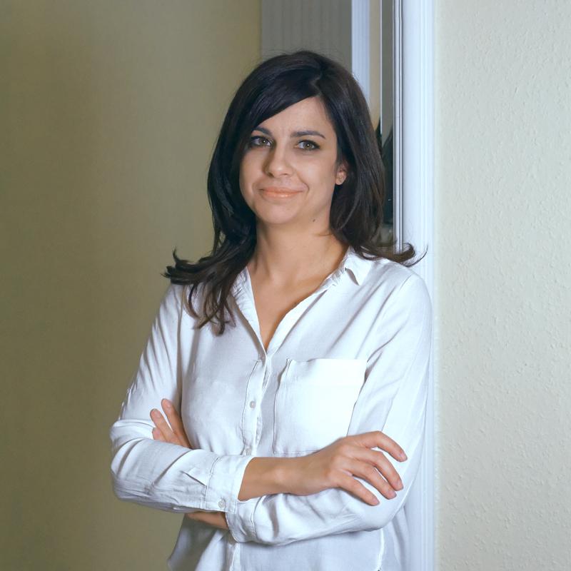 Dr. Petró Éva